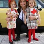 Angela y Ana vestidas por Hilda Sordo…