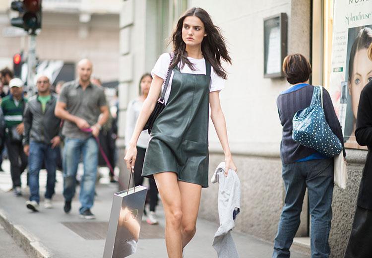 tendencias_pv_16_vestido_y_camiseta_pasarela_celebrities_blanca_padilla_1-a