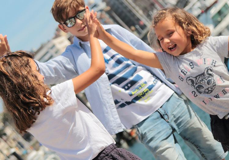 38becbe1f2 Azul marino y la Zapa son dos tiendas para niños y niñas que he conocido  recientemente y que me encantan. La Zapa como muy bien estarás suponiendo  es una ...