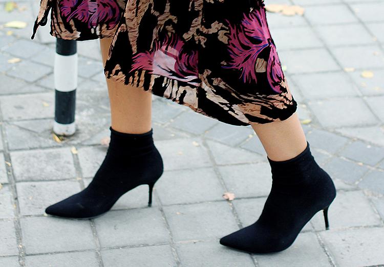 Resultado de imagen de botín-calcetín street style
